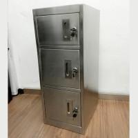 不銹鋼儲物櫃帶鎖 L290 x D360 x H750(mm) SSL0601